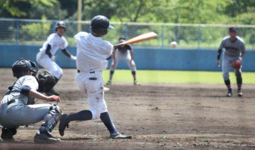 野球 打撃シーン